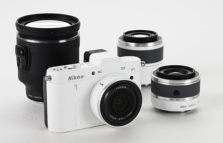 Nikon V1 a výměnné objektivy