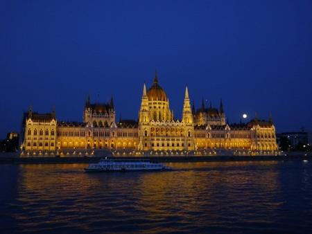 Parlament III