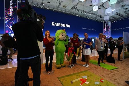 Samsung na IFA 2012: u TV s populárním pohádkovým skřítkem, aneb Sandmaennschen v akci