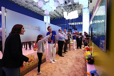 Samsung na IFA 2012: televizory zajímají nejen děti, zajímají všechny věkové kategorie
