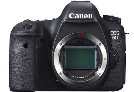 Canon EOS 6D - bajonet: průhled na obrazový senzor