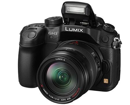 Panasonic Lumix GH3 - blesk