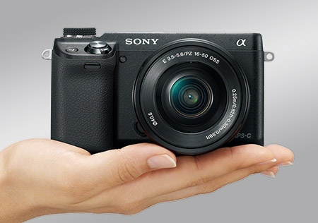 Sony α NEX-6 - kompaktnost jako přednost