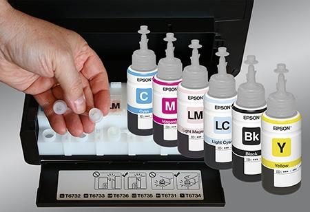 Epson L800 - nádržky se speciálními víčky a inkousty