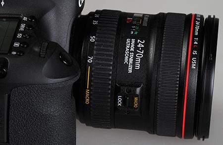 Canon EF 24–70 mm 1:4L IS USM - na EOS 6D - pohled na přepínač na makro