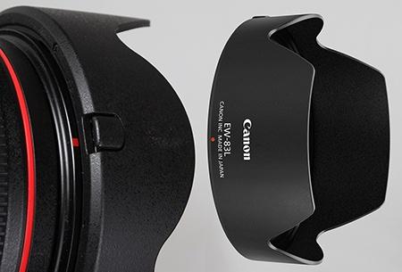 Canon EF 24–70 mm 1:4L IS USM - sluneční clona EW-83L
