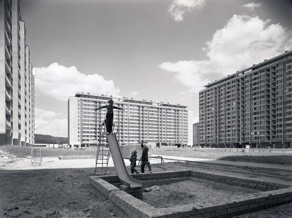 Zdeněk Voženílek, Snímek sídliště Ďáblice v Praze, 1. polovina 70. let, soukromá sbírka
