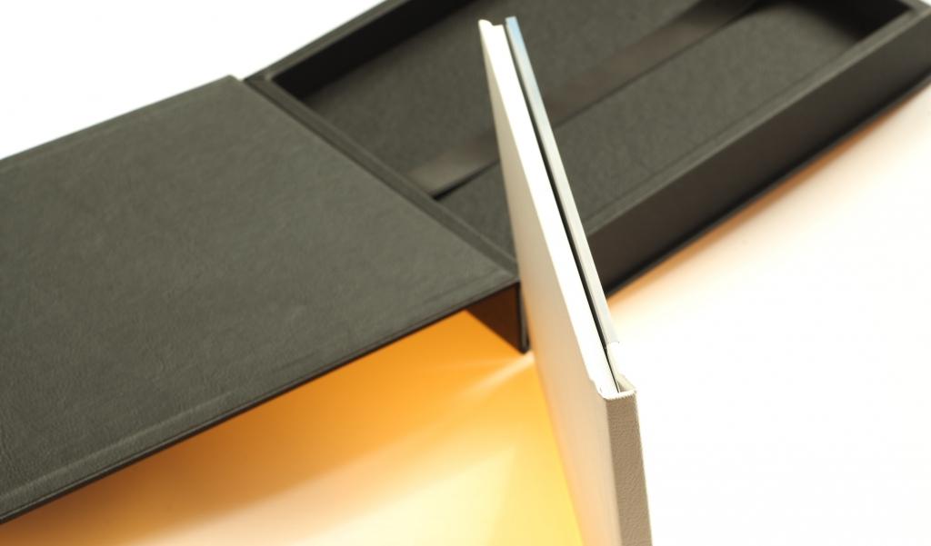 Profil fotoknihy s předním polykarbonátovým sklem