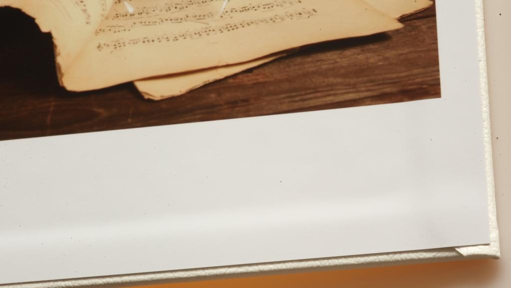 Detail vnitřního zakončení kožené vazby